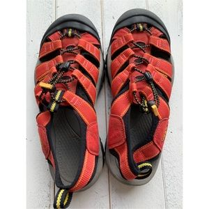 KEEN RED NEWPORT WATER SPORT SANDALS SZ 10